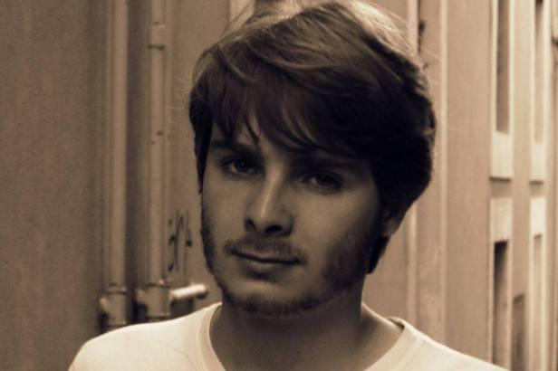 Jérémy Sagnier, études de lettres modernes à l'ENS de Lyon, rédacteur musique classique et opéra sur Saisi au Vol, blog associé à l'Alchimie du Verbe.
